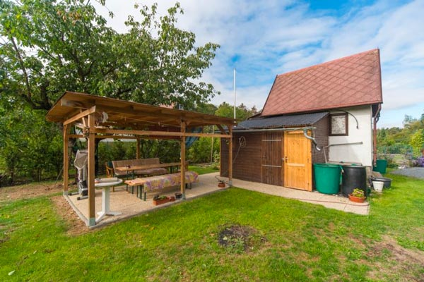 Prodej chaty na pozemku 320 m2 Praha-Cholupice